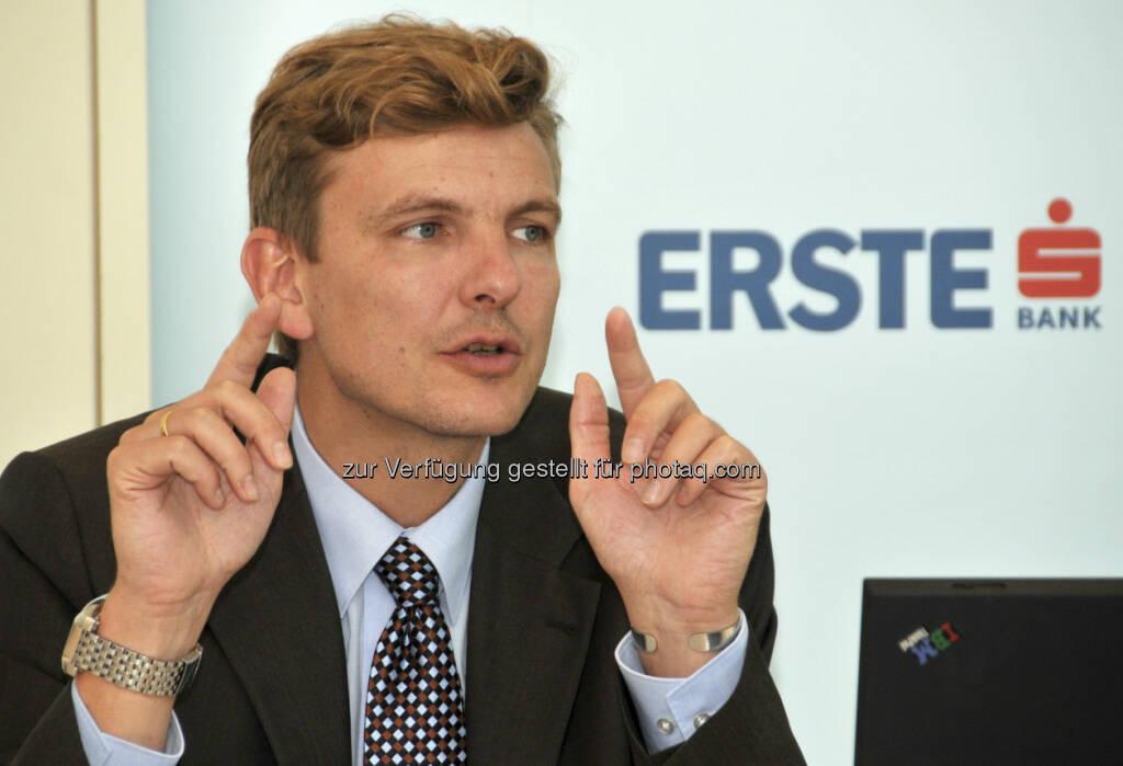 Erste Group: Henning Eßkuchen, Co-Head Equity Research CEE, machte am 7.1. einen Online-Chat zu den CEE-Märkten (c) Erste Group (07.01.2013)