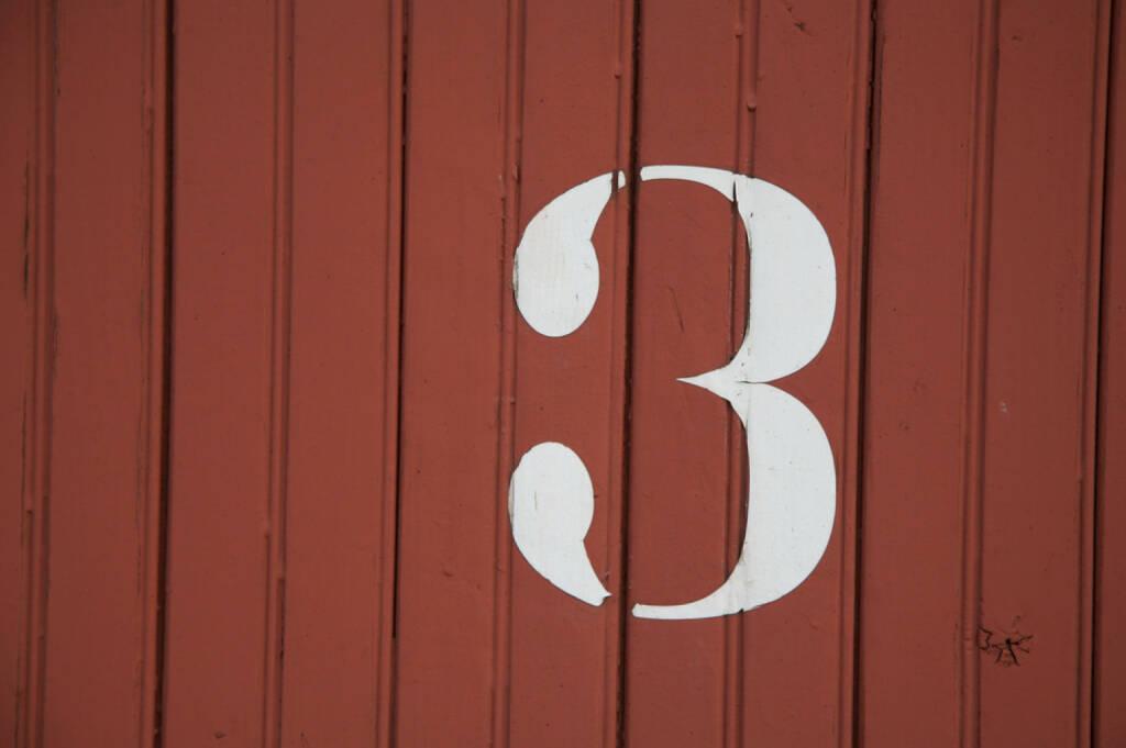 3, Drei, http://www.shutterstock.com/de/pic-129167534/stock-photo-number.html , © (www.shutterstock.com) (02.07.2014)