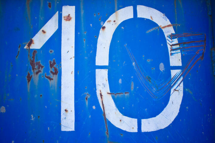 10, Zehn, http://www.shutterstock.com/de/pic-159789107/stock-photo-old-ten-number-on-rusty-blue-metal-texture.html