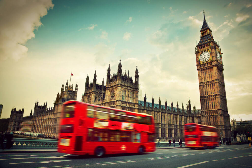 London, Big Ben, Westminster, Doppeldecker Bus, Bus, http://www.shutterstock.com/de/pic-139999093/stock-photo-london-the-uk-red-bus-in-motion-and-big-ben-the-palace-of-westminster-the-icons-of-england-in.html , , © shutterstock.com (02.07.2014)