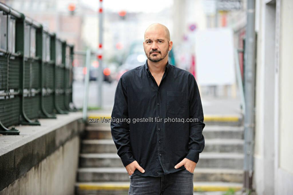 Woman startet gemeinsam mit Kultautor Thomas Glavinic und fast einer halben Million LeserInnen Österreichs längsten Liebesroman. (03.07.2014)