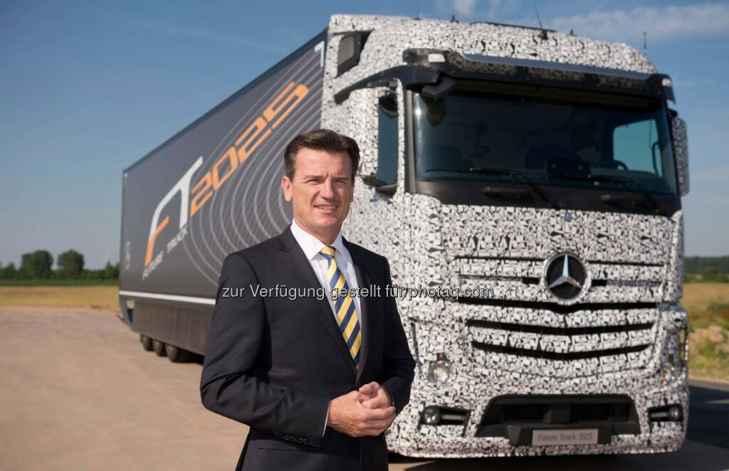 Wolfgang Bernhard, Vorstand der Daimler AG für Daimler Trucks & Daimler Buses, präsentiert den Future Truck 2025. Der Zukunfts-Lkw feierte heute in Magdeburg Weltpremiere., © Aussendung (03.07.2014)
