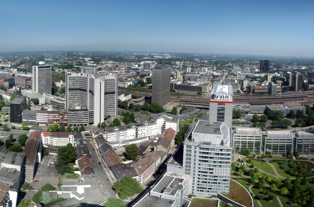 Essen, Ruhrgebiet, http://www.shutterstock.com/de/pic-44381002/stock-photo-panorama-ofthe-city-center-of-essen-in-germany-essen-is-together-with-the-ruhr-area-european.html (Bild: www.shutterstock.com) (04.07.2014)