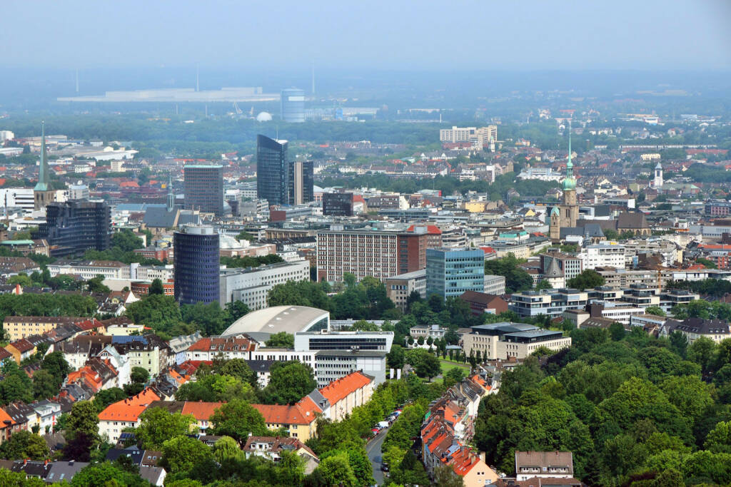 Dortmund, Ruhrgebiet, http://www.shutterstock.com/de/pic-127002083/stock-photo-dortmund-city-in-ruhrgebiet-ruhr-metropolitan-region-in-germany-aerial-view.html (Bild: www.shutterstock.com) (04.07.2014)