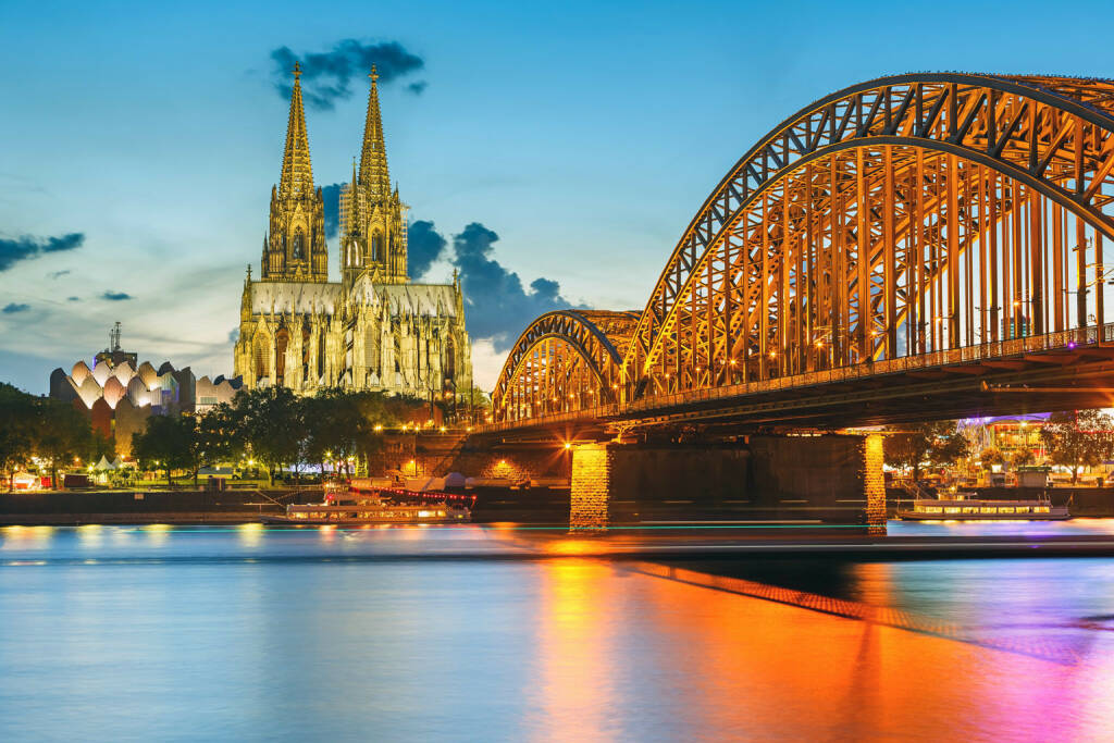 Köln, Dom, Rhein, Hohenzollern Brücke, http://www.shutterstock.com/de/pic-115038145/stock-photo-view-on-cologne-cathedral-and-hohenzollern-bridge-germany.html (Bild: www.shutterstock.com) (04.07.2014)