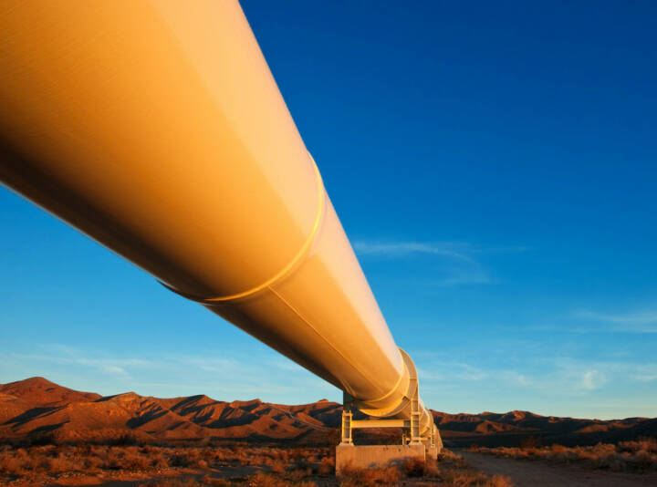 Pipeline, Erdöl, Erdgas, Ölindustrie, http://www.shutterstock.com/de/pic-69514060/stock-photo-beautiful-sunrise-light-on-a-pipeline-in-the-mojave-desert-california.html?