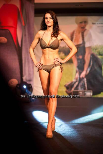 Claudia Kainz, Miss Niederösterreich 2014, bekam für die Miss Austria-Wahl lt. der Tageszeitung Österreich keinen Urlaub. Arbeitgeber: Raiffeisen (c) Adam Samorajski für http://www.miss-austria.at, © Aussender (04.07.2014)