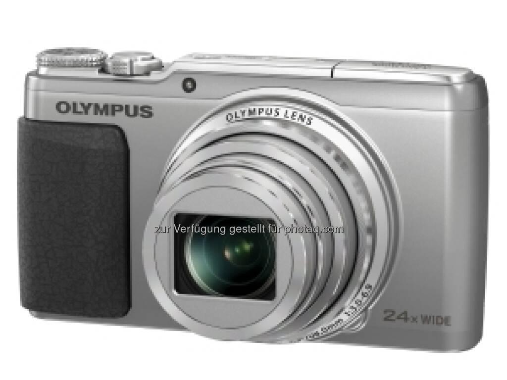 Olympus schreibt: Die STYLUS SH-50 ist die erste Olympus Kompaktkamera mit einem 5-Achsen-Movie-Bildstabilisator, wie er in der OM-D zum Einsatz kommt. Sie ist, wie auch die SZ-16 und SZ-15 mit einem 24-fach-Super-Weitwinkelzoomobjektiv sowie Super-Resolution Zoom für eine bis zu 48-fache Vergrößerung ausgestattet. SH-50 und SZ-16 werden für 299,00 €/399,00 CHF bzw. 249,00 €/299,00 CHF, die SZ-15 für 229,00 €/249,00 CHF erhältlich sein (08.01.2013)