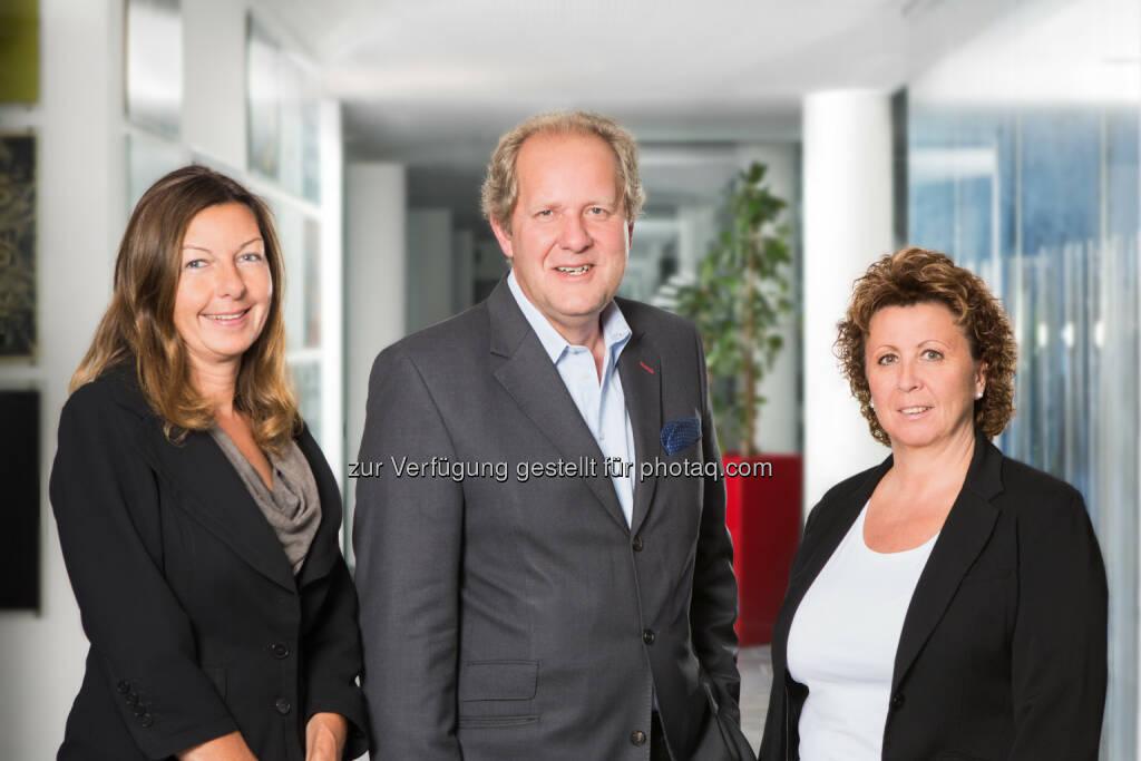 Zwei neue Prokuristinnen in der IP Österreich: Simone Ratasich, Walter Zinggl, Marion Hammerl, © Aussender (07.07.2014)