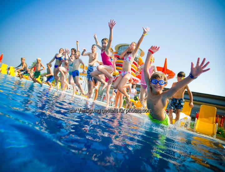 Sommer, Sonne, Sonnentherme Lutzmannsburg - Sonnentherme startet Sommerprogramm, Baden, Schwimmen, Schwimmbecken, Kinder, Wasser (Bild: Andi Bruckner/Sonnentherme)