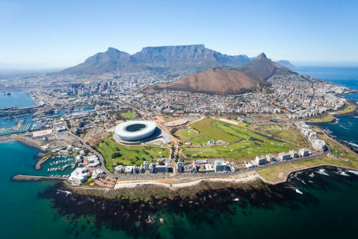 Kapstadt, Südafrika, http://www.shutterstock.com/de/pic-92510755/stock-photo-overall-aerial-view-of-cape-town-south-africa.html