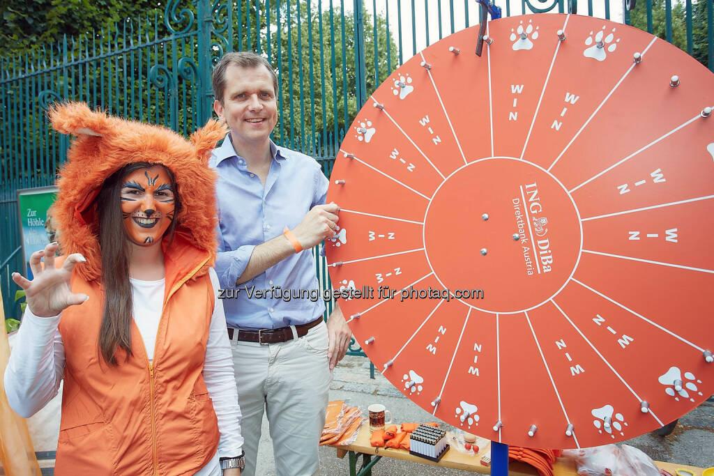CEO Roel Huisman am Glücksrad, ING-DiBa Austria feierte 10jähriges Jubiläum (Bild: Thomas Preiss) (07.07.2014)