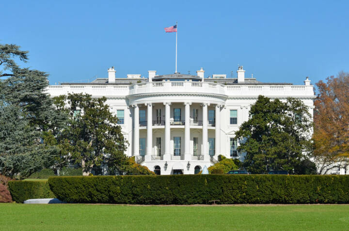 Washington, DC, USA, Weisses Haus, http://www.shutterstock.com/de/pic-119809810/stock-photo-the-white-house-washington-dc-united-states.html