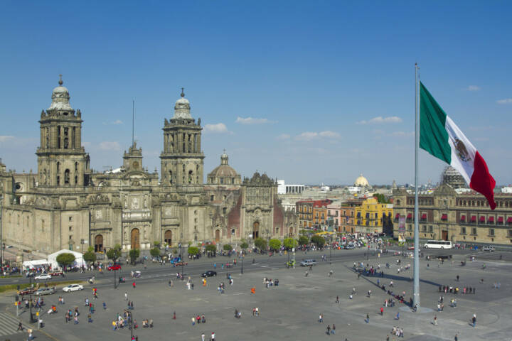 Mexico City, Mexico, Mexiko, http://www.shutterstock.com/de/pic-104705381/stock-photo-the-zocalo-in-mexico-city-with-the-cathedral-and-giant-flag-in-the-centre.html