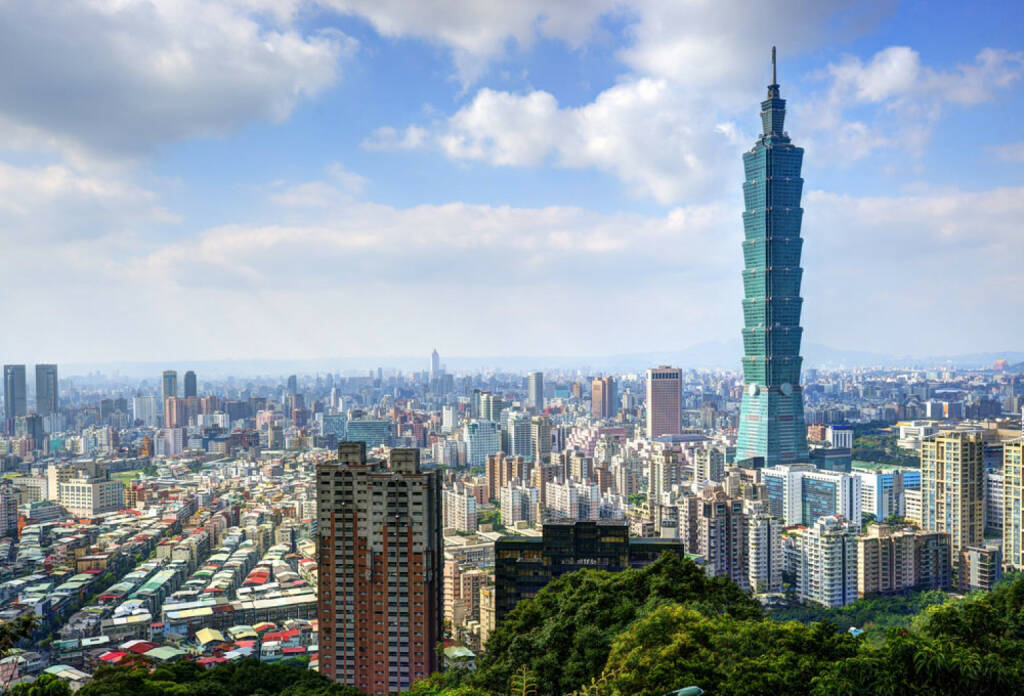 Taipei, Taiwan, Taipei 100 Tower, http://www.shutterstock.com/de/pic-139899196/stock-photo-skyline-of-xinyi-district-in-downtown-taipei-taiwan.html , © (www.shutterstock.com) (07.07.2014)