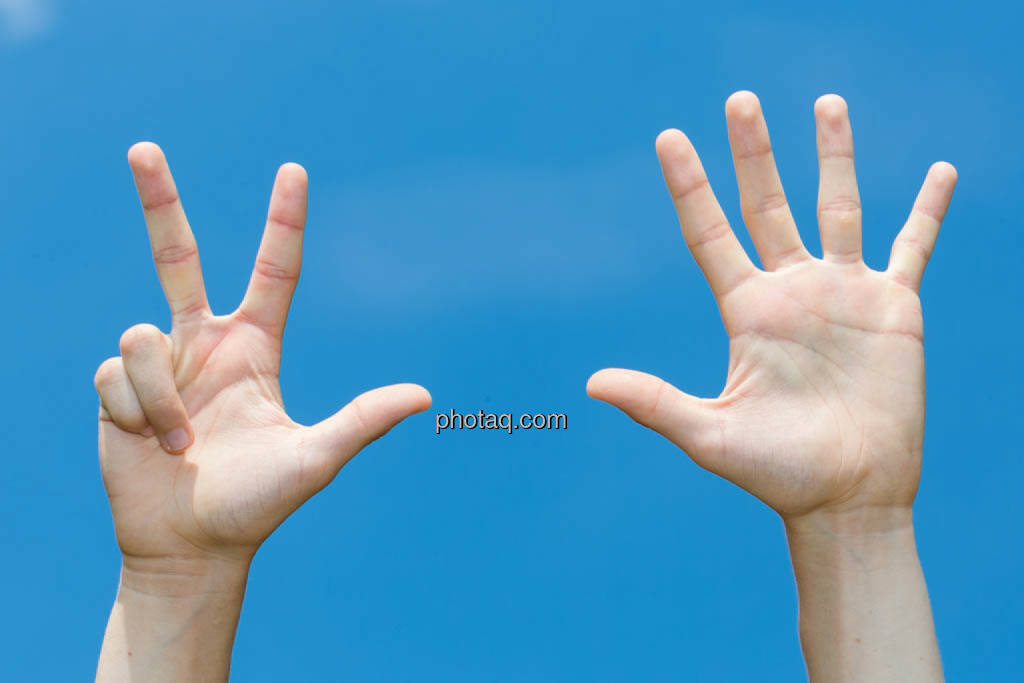 Hände, 8, acht, © photaq/Martina Draper (08.07.2014)