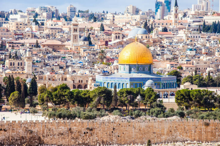 Jerusalem, Israel, http://www.shutterstock.com/de/pic-165689963/stock-photo-mousque-of-al-aqsa-dome-of-the-rock-in-old-town-jerusalem-israel.html