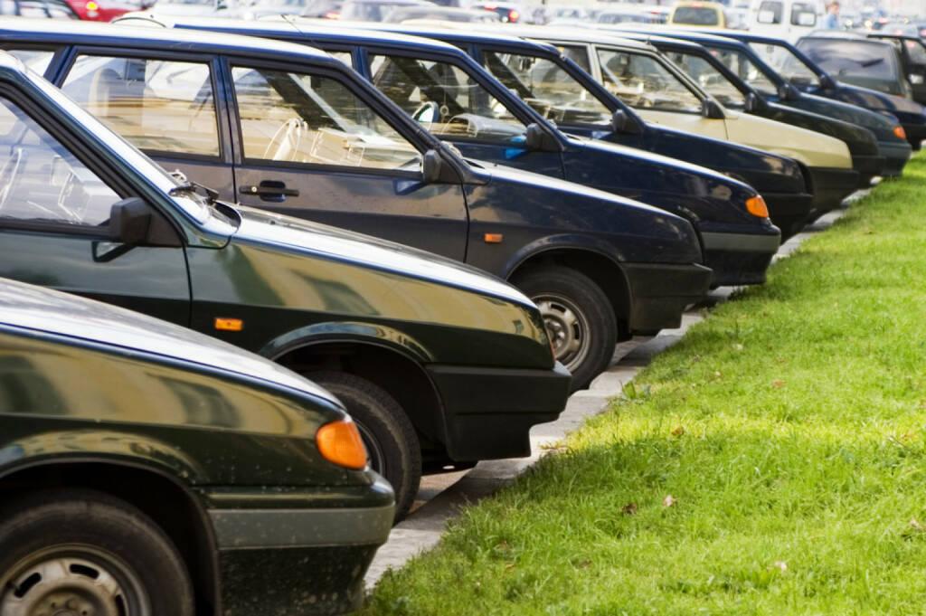 parken, Parkplatz, Auto, http://www.shutterstock.com/de/pic-1777063/stock-photo-accurate-parking.html , © (www.shutterstock.com) (11.07.2014)