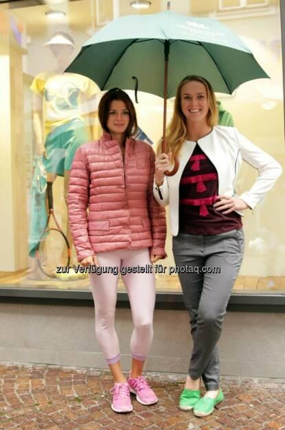 Camila Giorgi, Elina Svitolina Regenschirm, &copy;  <a href=
