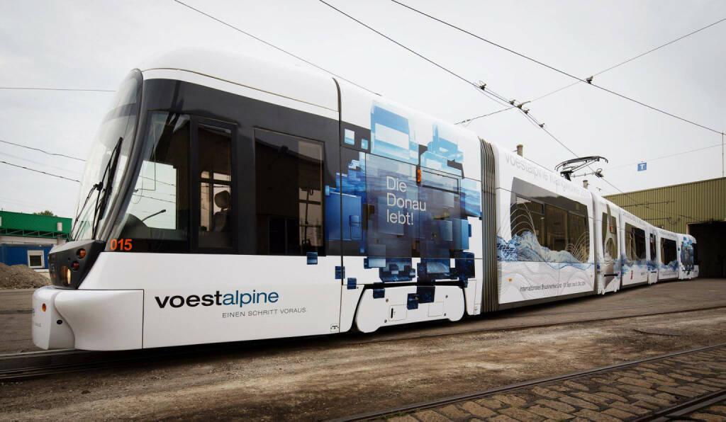 Die Straßenbahn zur voestalpine Klangwolke 2014 ist  wieder in Linz unterwegs! Die Tram wird bis 7. September auf der Linie 1 fahren. Mehr Infos zur voestalpine Klangwolke: http://www.voestalpine.com/klangwolke, © Aussendung (12.07.2014)