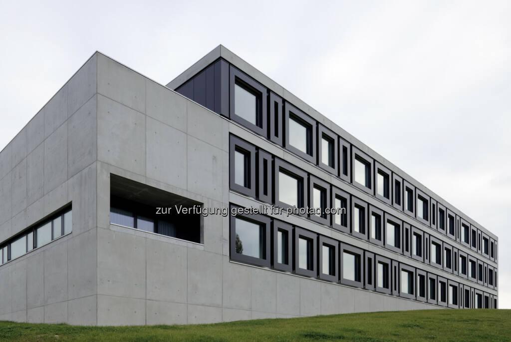 Aluminium-Fenster-Institut: Aluminium-Architektur-Preis 2014 ausgeschrieben - im Bild Siegerprojekt Aluminium-Architektur-Preis 2012: Schulzentrum Grieskirchen (Bild: Bruno Klomfar) (14.07.2014)
