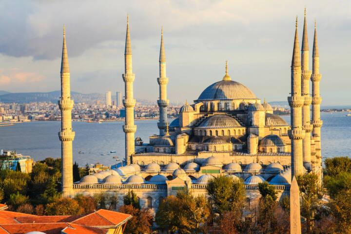 Istanbul, Türkei, http://www.shutterstock.com/de/pic-161898314/stock-photo-blue-mosque-in-istanbul-turkey.html
