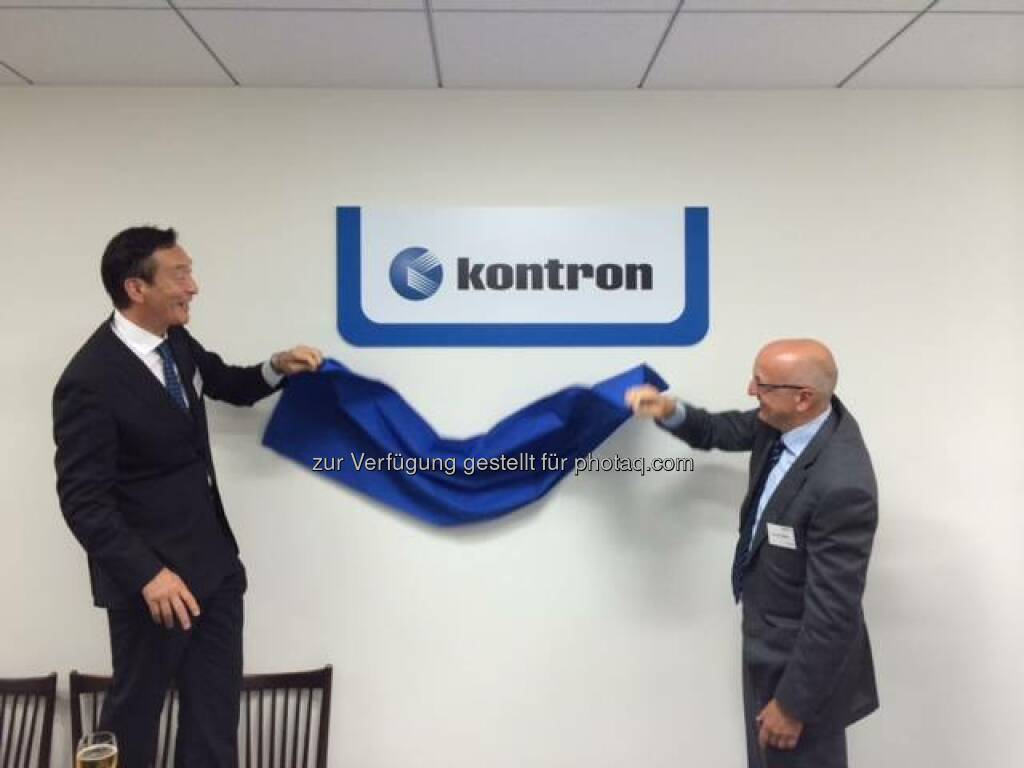 Kontron Japan office opened: logo sign unveiling by CEO Rolf Schwirz and Satoru Hayashi, General Manager in Japan  Source: http://facebook.com/kontron, © Aussender (15.07.2014)