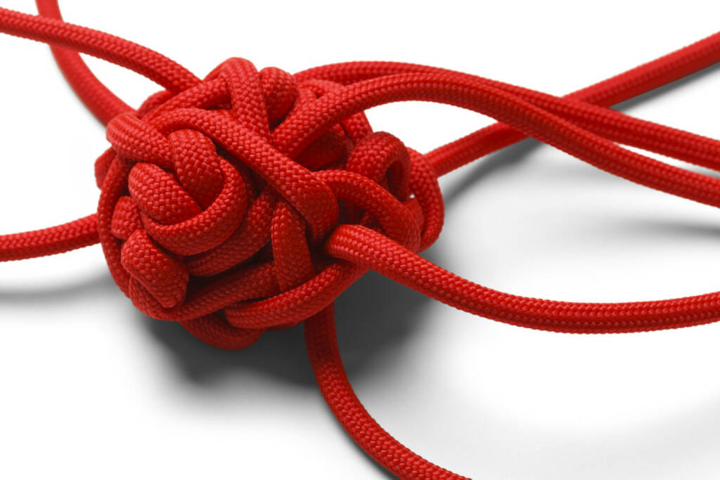 Knoten, gordischer Knoten, Chaos, Kette, verworren, http://www.shutterstock.com/de/pic-168551594/stock-photo-red-rope-in-a-tangled-mess-isolated-on-white-background.html , © (www.shutterstock.com) (15.07.2014)