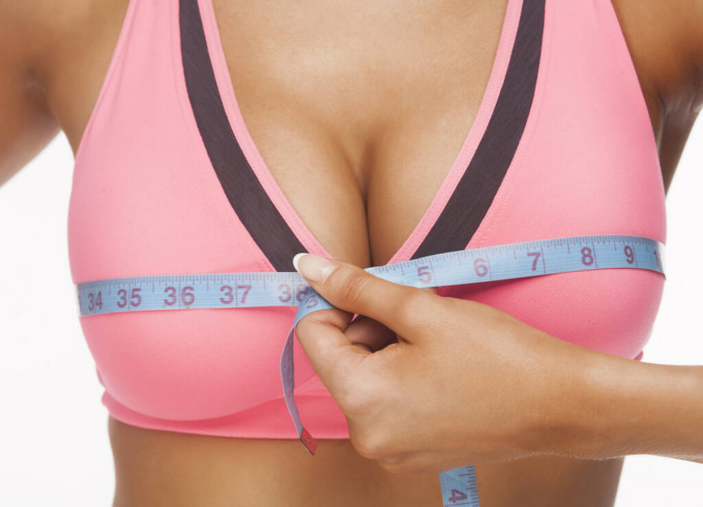 Busen, messen, vermessen, fake, falsch, unecht, Implantat, http://www.shutterstock.com/de/pic-121261798/stock-photo-the-young-woman-measures-to-itself-a-bust.html , © (www.shutterstock.com) (15.07.2014)
