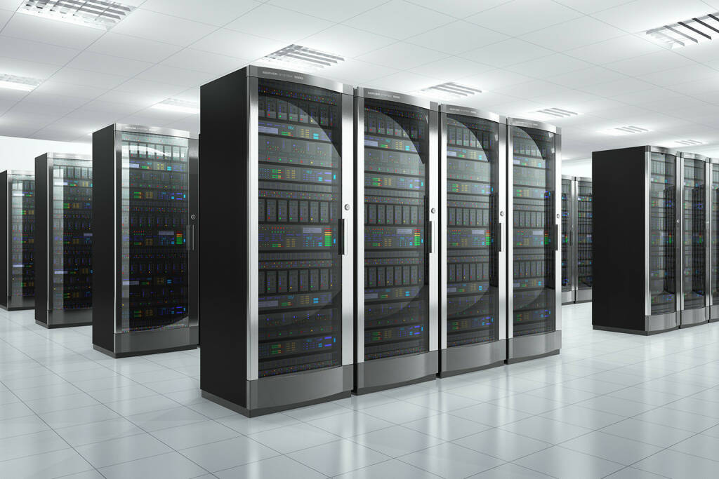 Server, Webserver, Data Center, http://www.shutterstock.com/de/pic-138488228/stock-photo-modern-network-and-communication-concept-server-room-in-datacenter.html (18.07.2014)