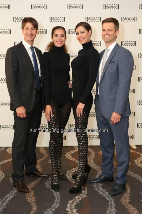Axel Dreher (Vorstandssprecher Wolford AG), Maryia-Luiza und Lana (Models), Thomas Melzer (Finanzvorstand Wolford AG) - Wolford AG: Umsatz und Ergebnisse des Geschäftsjahres 2013/14 im Rahmen der Erwartungen (c) Ludwig Schedl