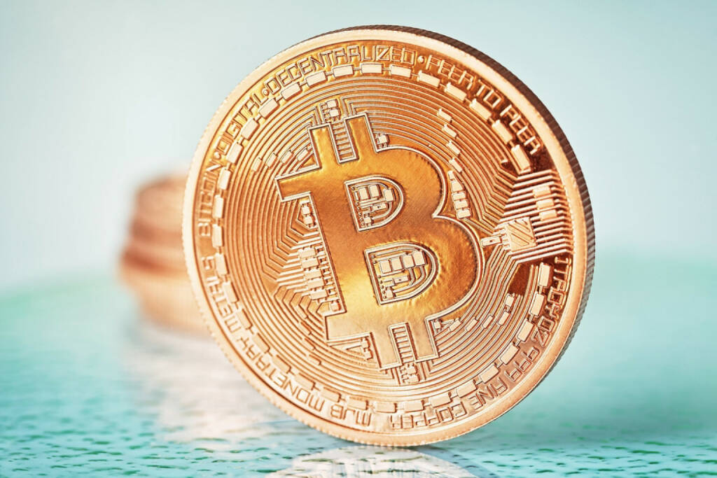 Bitcoin, http://www.shutterstock.com/de/pic-178522379/stock-photo-photo-golden-bitcoins-new-virtual-money.html  (21.07.2014)