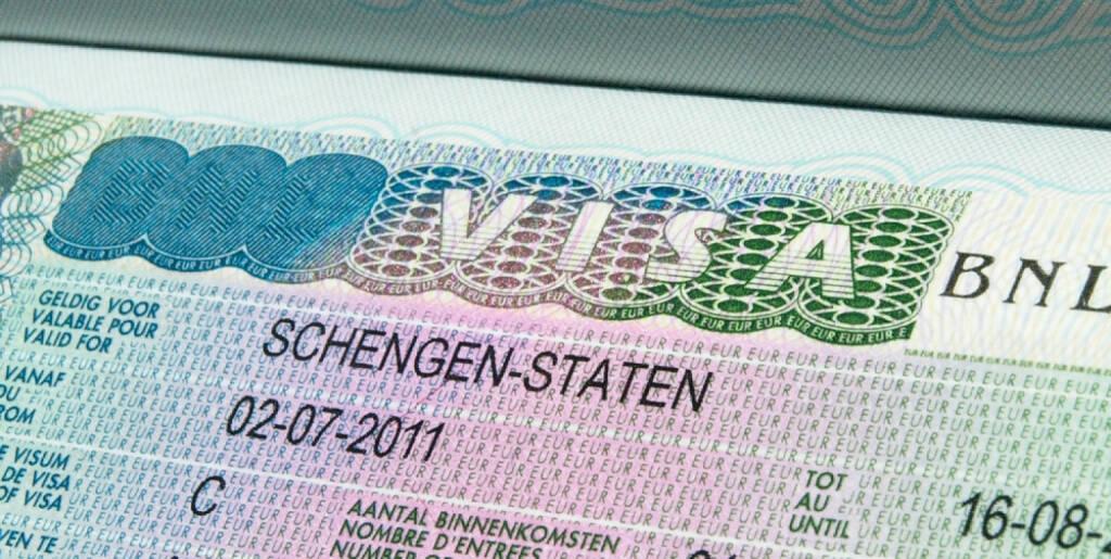 Visa, Einwanderung, Aufenthalt, Ausländer, Asyl, Einbürgerung, Arbeitskraft, http://www.shutterstock.com/de/pic-75219700/stock-photo-schengen-visa-in-passport.html  (21.07.2014)