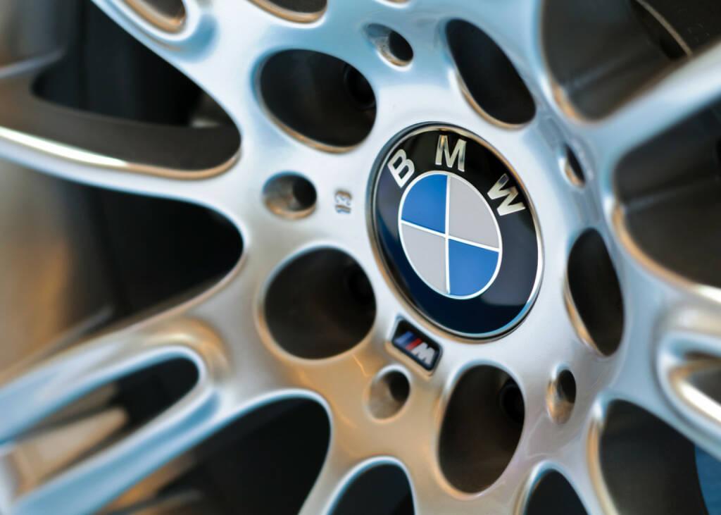 BMW, Felge, Auto, <a href=http://www.shutterstock.com/gallery-583558p1.html?cr=00&pl=edit-00>Teerapun</a> / <a href=http://www.shutterstock.com/?cr=00&pl=edit-00>Shutterstock.com</a>, Teerapun / Shutterstock.com, © www.shutterstock.com (21.07.2014)