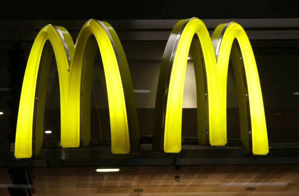 McDonalds <a href=http://www.shutterstock.com/gallery-320989p1.html?cr=00&pl=edit-00>360b</a> / <a href=http://www.shutterstock.com/?cr=00&pl=edit-00>Shutterstock.com</a> , 360b / Shutterstock.com, © www.shutterstock.com (21.07.2014)
