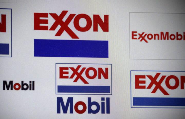 Exxon Mobil, <a href=http://www.shutterstock.com/gallery-320989p1.html?cr=00&pl=edit-00>360b</a> / <a href=http://www.shutterstock.com/?cr=00&pl=edit-00>Shutterstock.com</a>, 360b / Shutterstock.com