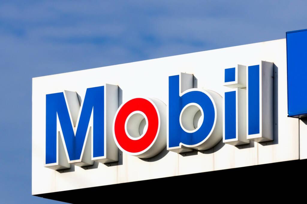 Exxon Mobil, <a href=http://www.shutterstock.com/gallery-931246p1.html?cr=00&pl=edit-00>Ken Wolter</a> / <a href=http://www.shutterstock.com/?cr=00&pl=edit-00>Shutterstock.com</a> , Ken Wolter / Shutterstock.com, © www.shutterstock.com (25.07.2014)