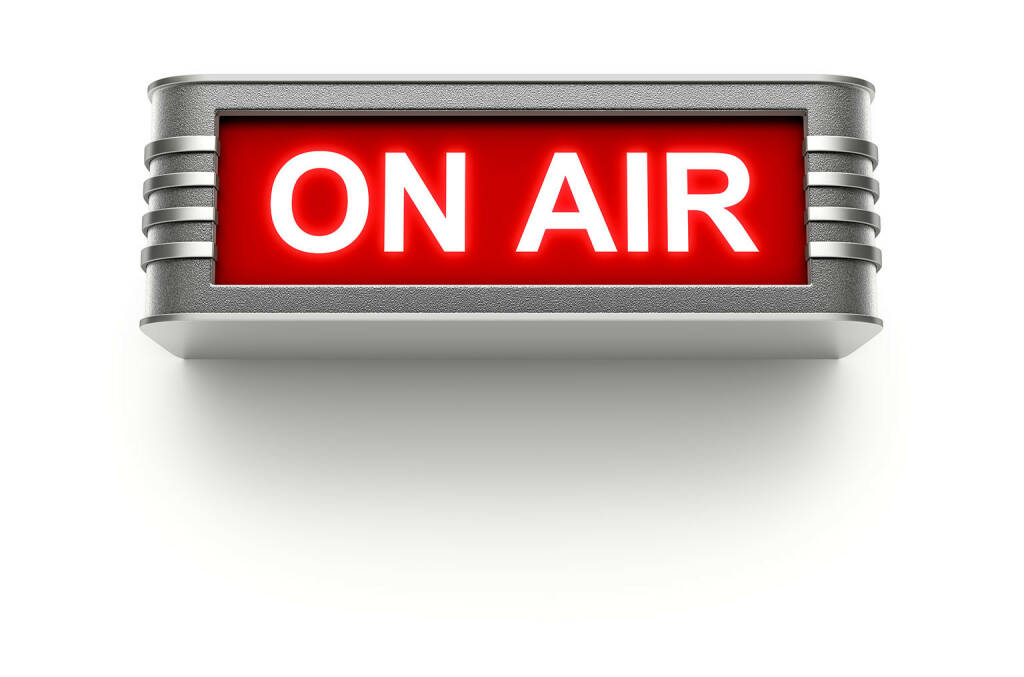 On Air, auf Sendung, Radio, Übertragung, http://www.shutterstock.com/de/pic-158778059/stock-photo-on-air-sign.html (29.07.2014)