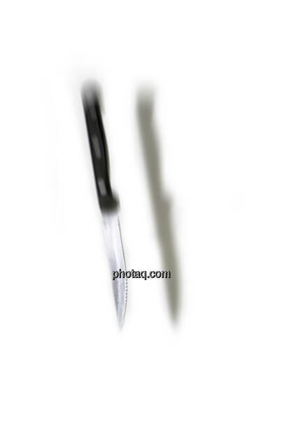 Greife nicht ins fallende Messer (c) Martina Draper (14.01.2013)