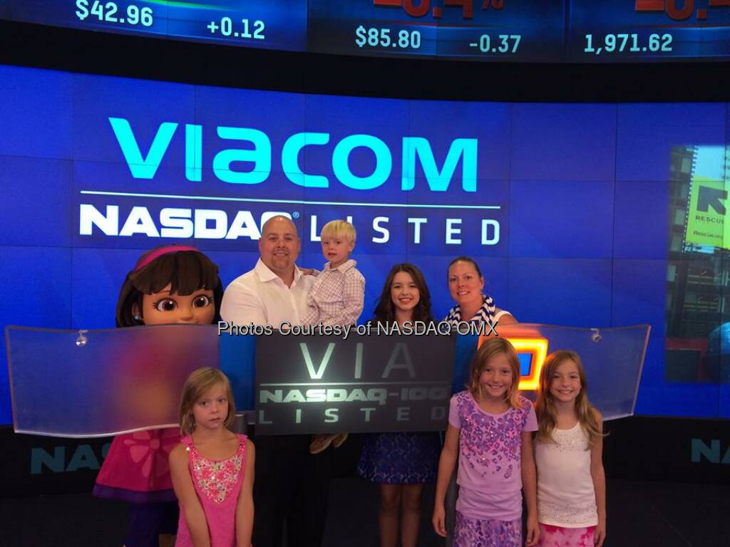 Adoring fans of @DoraTheExplorer take photos with @FatimaPtacek before the @NASDAQ Closing Bell! $VIA #DoraandFriends  Source: http://facebook.com/NASDAQ (30.07.2014)