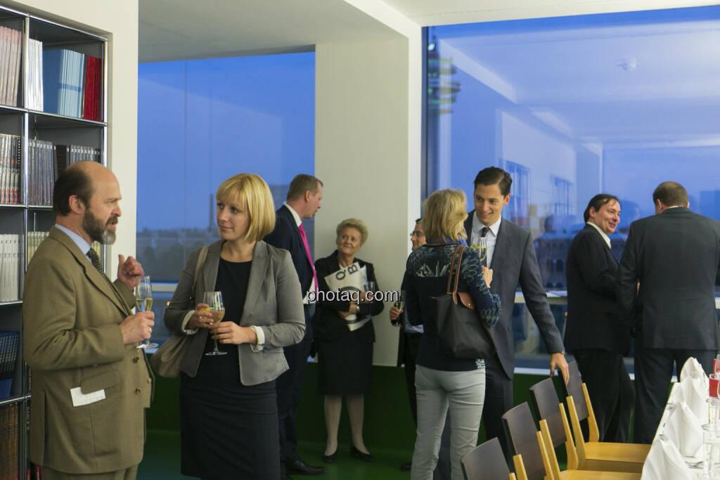 25 Jahre S Immo, Elisabeth Wagerer (S Immo, 2. von links), © Martina Draper (15.12.2012)