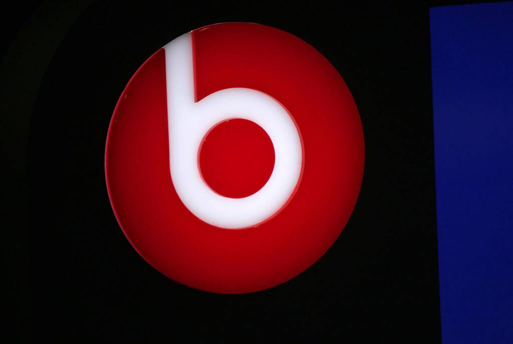 Beats Electronics, Beats by Dr. Dre Logo <a href=http://www.shutterstock.com/gallery-320989p1.html?cr=00&pl=edit-00>360b</a> / <a href=http://www.shutterstock.com/?cr=00&pl=edit-00>Shutterstock.com</a> (30.07.2014)