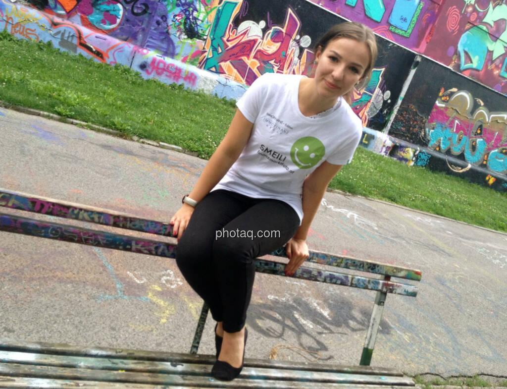 Franziska Graf, http://runplugged.com/2014/07/25/exklusiv_auf_runplugged_osterreicher_und_aktien_gelesen_von_der_autorin_franziska_graf (31.07.2014)