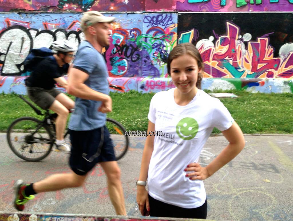 Radfahrer Läufer Runpluggerin Franziska Graf http://runplugged.com/2014/07/25/exklusiv_auf_runplugged_osterreicher_und_aktien_gelesen_von_der_autorin_franziska_graf (31.07.2014)