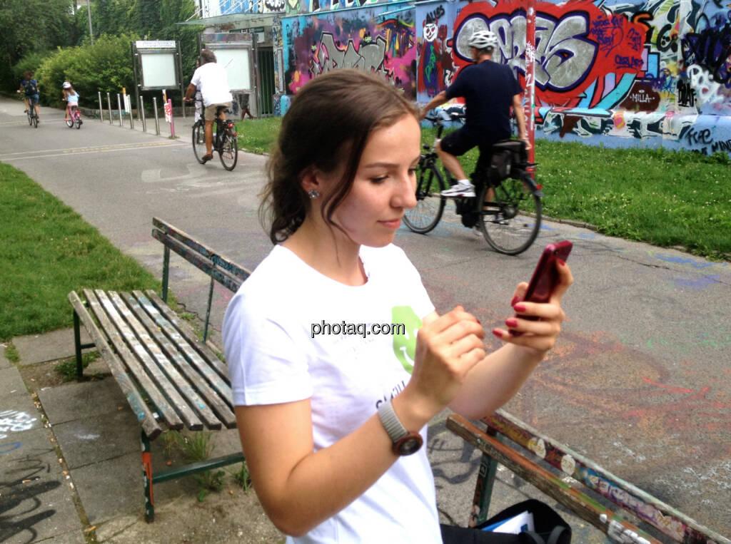 Franziska Graf hört ihre eigene Stimme via http://www.runplugged.com (31.07.2014)
