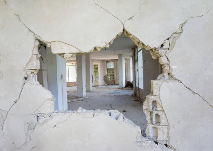 durchbruch durchbrechen wand loch schlagen durchschlag ffnen ffnung http www. Black Bedroom Furniture Sets. Home Design Ideas