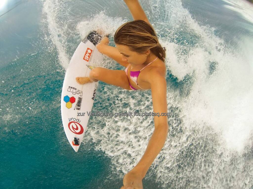 The US Open of Surfing has touched down in Huntington, California and GoPro athlete Alana Blanchard is posting up at Jack's Surf Shop by the pier at 4PM to sign autographs and hang with the fans. Come join!  Source: http://facebook.com/gopro, © Aussendung (02.08.2014)