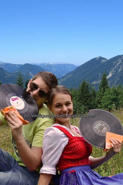 Dirndl, Musik: Wiener Alpen in Niederösterreich Tourimus GmbH: Dialekt schmeckt am Berg (c) Micka Messino, © Aussendung checkfelix (02.08.2014)