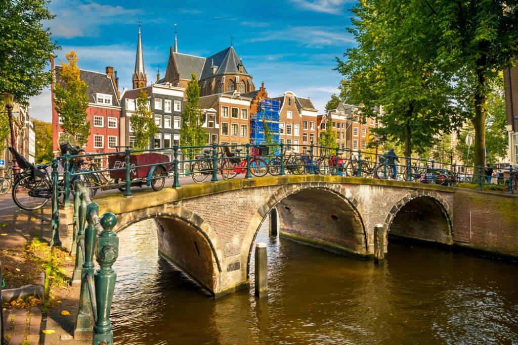 Amsterdam, Holland, Niederlande, 188438480/stock-photo-canal-in-amsterdam.html , © shutterstock.com (04.08.2014)