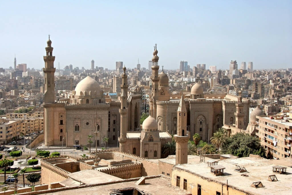Kairo, Ägypten, http://www.shutterstock.com/de/pic-90247558/stock-photo-view-of-cairo-from-the-citadel.html? , © (www.shutterstock.com) (04.08.2014)